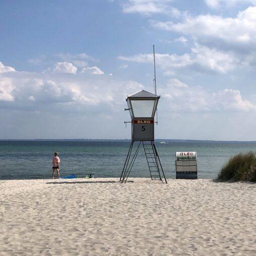 DLRG-Häuschen am Grömitzer Strand