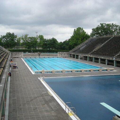 Leeres Sommerbad Olympiastadion Juni 2012